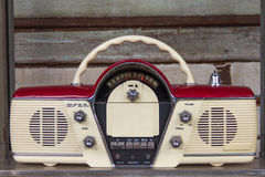 Старое радио дальше Стоковая Фотография
