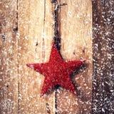 Старое рождество моды орнаментирует смертную казнь через повешение на деревянном острословии предпосылки Стоковое Изображение RF