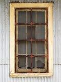 Старое сломанное окно Стоковые Фото