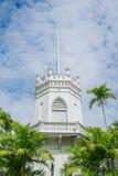 Старое строение на небе c Стоковое Фото