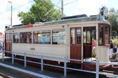 Старое строение трамвая HTM в 1920 названных HAWA которые restaurated и использовано для перемещений музея в Гааге стоковые фотографии rf