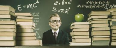 Старое фото назад к школе, сентябрю Ваш школьник стоковое изображение