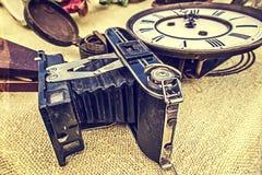 Старое фото с старой камерой 1 фото Стоковая Фотография RF