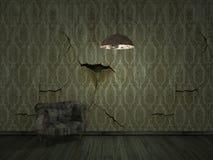 старое darklight шелушения wallpper с старой софой - внутренним backgroun стоковое фото rf