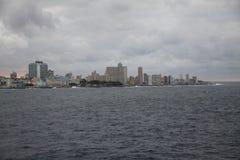 Старое Habana и море стоковое изображение rf