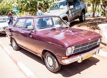 Старое Opel Kadett на выставке старых автомобилей в городе Karmiel стоковые изображения rf