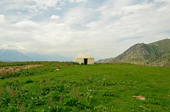 Старое yurt цемента в долине Стоковое фото RF