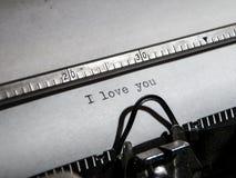 ` ` Старой машинки печатая я тебя люблю Стоковое Изображение RF