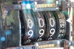 Старомодная бензоколонка 50 лет назад Стоковые Фото