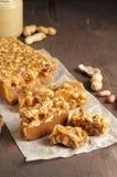Старомодная пахта Penuche Fudge конфета с арахисами стоковые фото