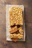 Старомодная пахта Penuche Fudge конфета с арахисами стоковая фотография