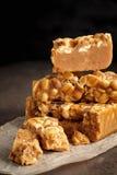 Старомодная пахта Penuche Fudge конфета с арахисами стоковое изображение rf