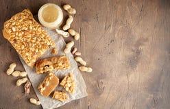 Старомодная пахта Penuche Fudge конфета с арахисами стоковое фото rf