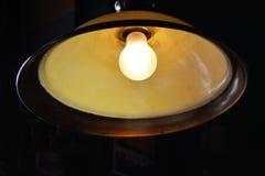 Старомодная электрическая лампочка Стоковое Изображение RF