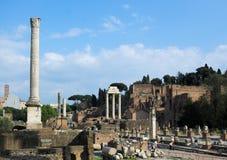 стародедовские колонки римские Стоковое фото RF