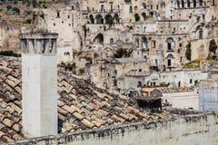 стародедовское итальянское село Печная труба камина на крыше Стоковое Изображение RF