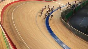 Старт гонки велодрома видеоматериал