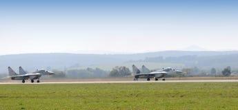 старт 2 slovak mig усилия 29 самолет-истребителей воздуха Стоковая Фотография RF