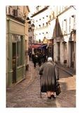 Старуха в montmartre Стоковое Изображение RF