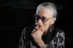 старшая думая женщина Стоковые Фото
