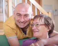 Старшая женщина с сыном Стоковое Изображение