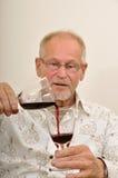старшее вино испытания Стоковые Фотографии RF