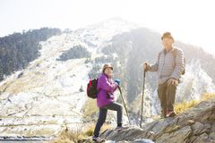 старшие пары на горе Стоковое Изображение RF