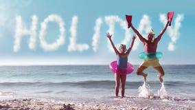 Старшие пары скача над праздником слова сток-видео