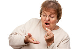 Старшие пилюльки женщины и лекарства стоковое изображение rf