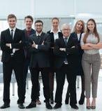 Старший бизнесмен и его уверенно команда дела Стоковое Изображение RF