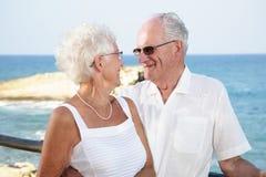 старший влюбленности пар Стоковые Изображения