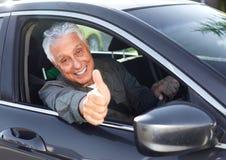 Старший водитель автомобиля стоковая фотография