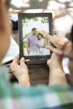 Старший отдых пар вне концепции Стоковая Фотография