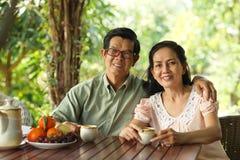 старший пар счастливый Стоковые Фотографии RF