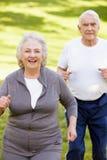 старший пар jogging Стоковые Изображения RF