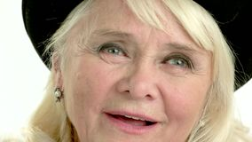 Старший подмигивать женщины акции видеоматериалы