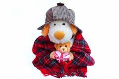 Старые англичанин и плюшевый медвежонок с Лондоном любят сердце Стоковые Изображения
