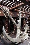 Старые анкеры корабля на корабле Стоковая Фотография