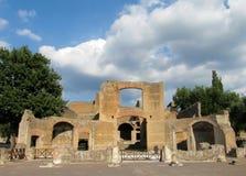 Старые античные руины виллы Adriana, Tivoli Рима стоковая фотография