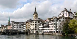 Старые башни с часами городка Стоковые Изображения