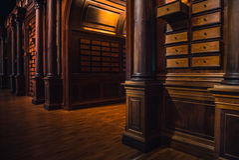 Старые библиотека и знание Стоковое Изображение RF