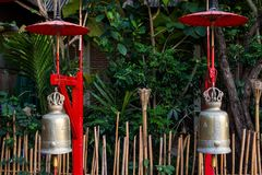 Старые бронзовые колоколы виска, Чиангмай Стоковое фото RF
