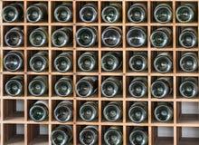Старые бутылки красного вина Стоковые Фотографии RF