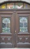 Старые двери, ручки, замки, решетки и окна Стоковое фото RF
