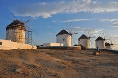 Старые ветрянки на греческом острове Mykonos Стоковое Изображение RF