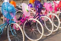 Старые велосипеды арендные Стоковая Фотография