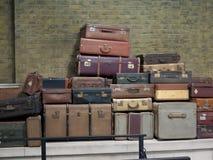 Старые винтажные чемоданы и багаж Стоковое Фото