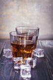 Старые виски и лед Стоковое Изображение RF