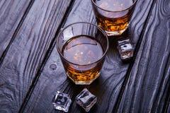Старые виски и лед Стоковые Изображения RF