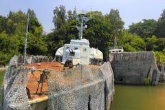 Старые военный корабль и спускаемый аппарат Стоковое Изображение RF